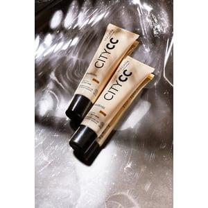 MADARA Hyaluronic Anti-Pollution CC Cream SPF 15 MEDIUM BEIGE (City CC serie) afbeelding